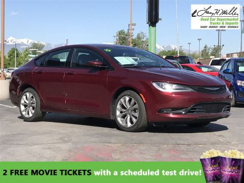 Pre-Owned 2015 Chrysler 200 S FWD 4dr Car