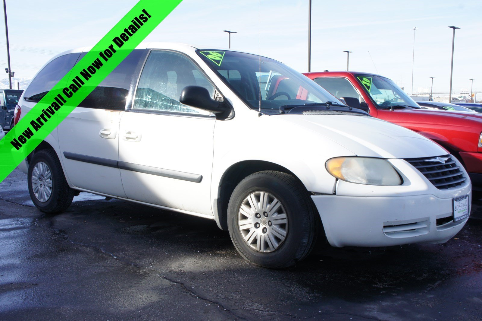 Pre-Owned 2006 Chrysler Town & Country SWB Base