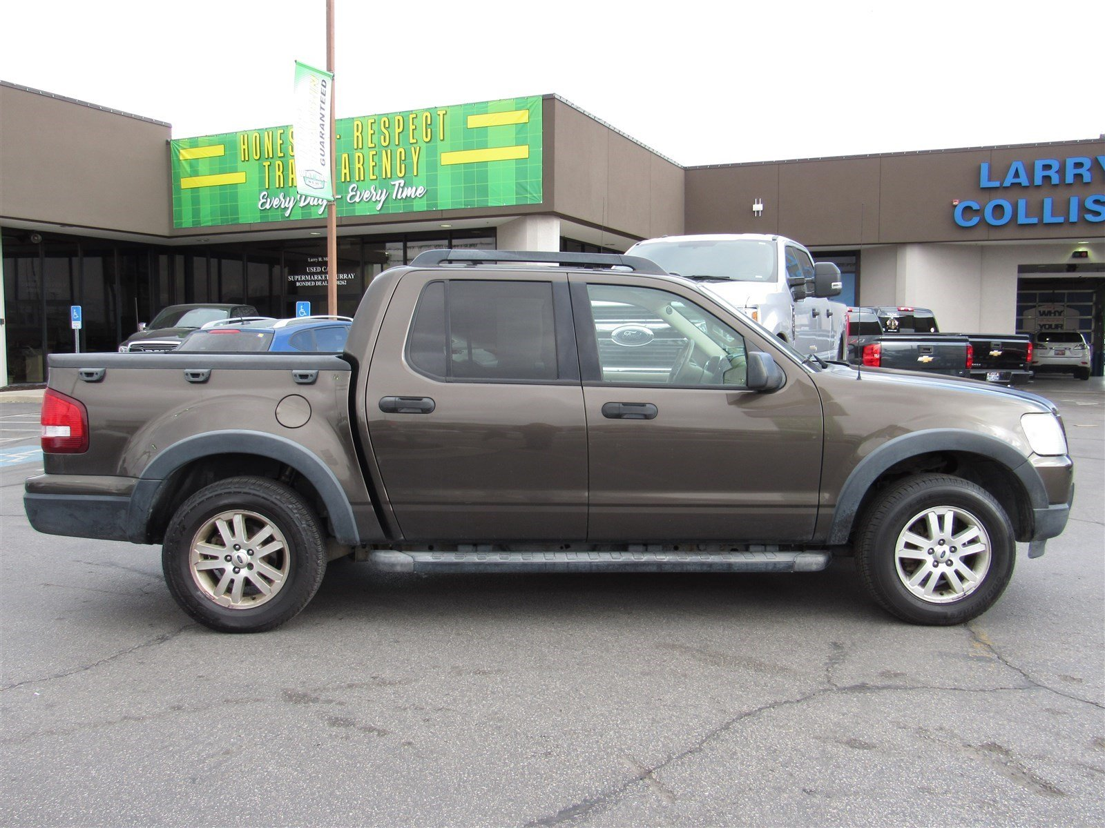 Pre owned 2008 ford explorer sport trac xlt