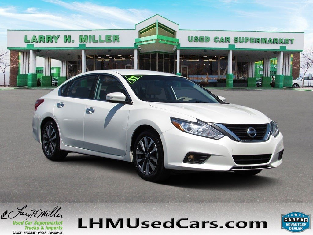 Nissan Altima: Vehicle security system activation