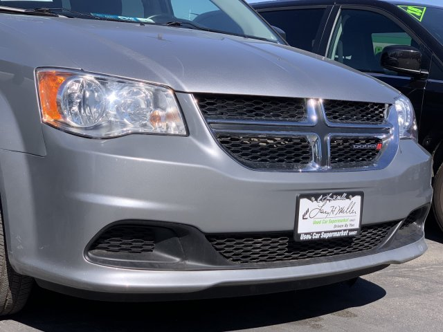 Pre-Owned 2017 Dodge Grand Caravan SE FWD Mini-van, Passenger
