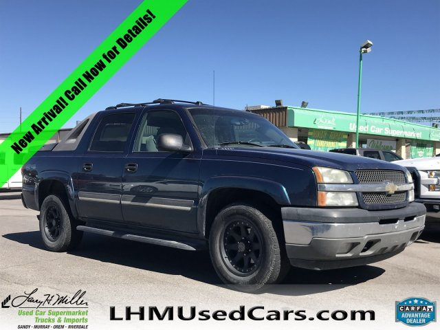 Pre-Owned 2005 Chevrolet Avalanche LS
