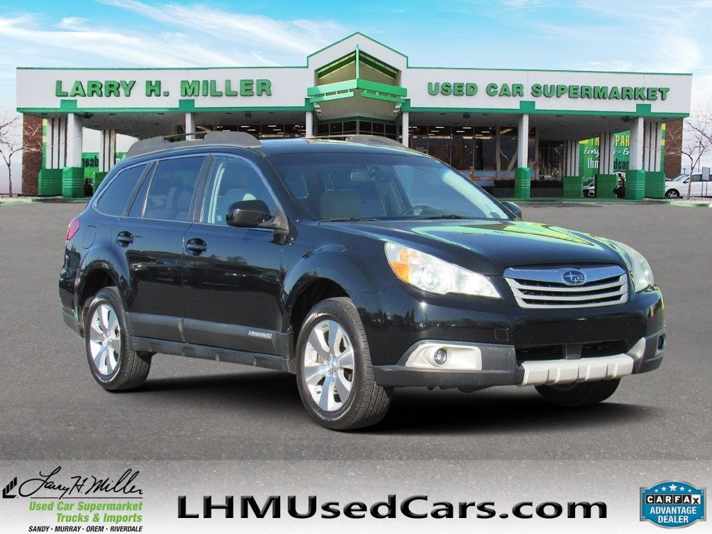Pre-Owned 2011 Subaru Outback 3.6R Limited Pwr Moon/Nav