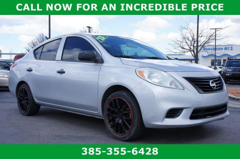 Pre-Owned 2013 Nissan Versa S