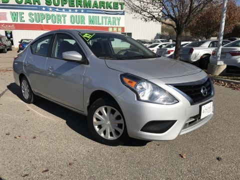 Pre-Owned 2017 Nissan Versa SV