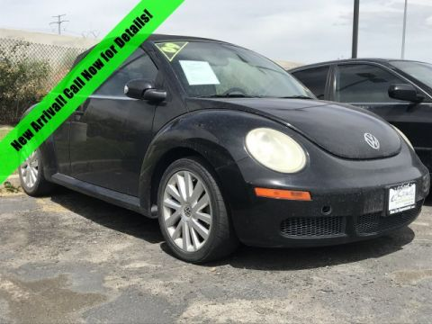 Pre-Owned 2009 Volkswagen New Beetle Convertible S
