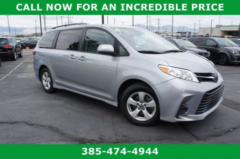 Pre-Owned 2018 Toyota Sienna LE Auto Access Seat