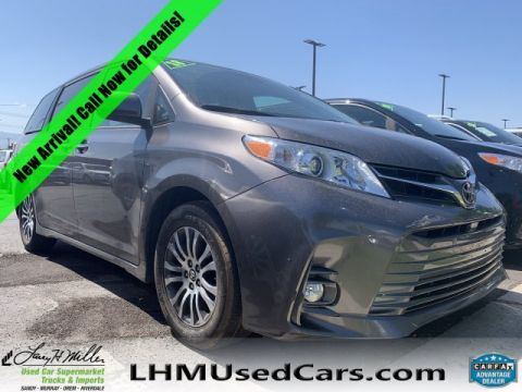 Pre-Owned 2018 Toyota Sienna